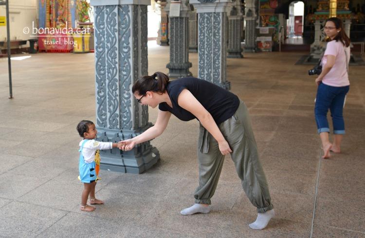 Fent amiguetes al barri de Little India