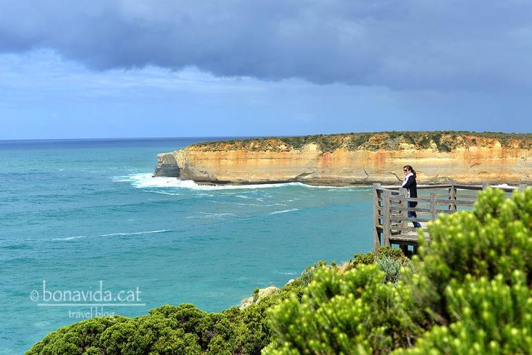 Es pot admirar la costa des de diferents miradors