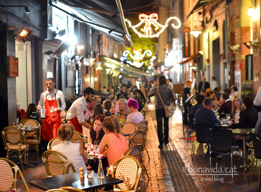 Hardware Lane és una zona de restaurants molt popular