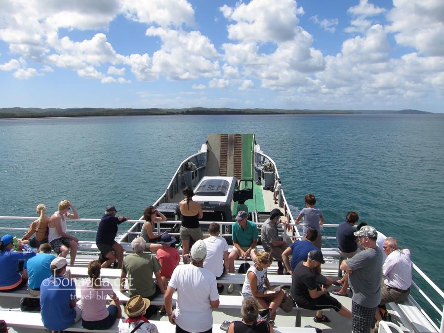 El ferri ens porta a Fraser Island