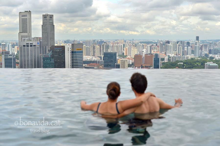 Per acabar la nostra ruta, ens relaxem a la seva espectacular piscina