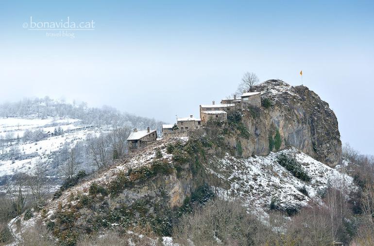 El poblet de La Roca, que pertanys al municipi de Vilallonga de Ter, és espectacular!