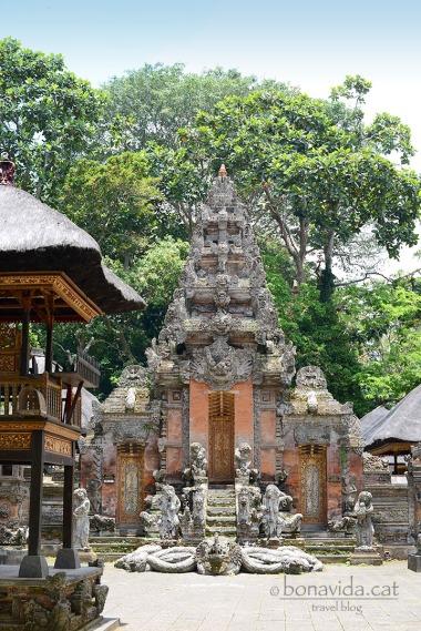 Temples de religió balinesa-hindú