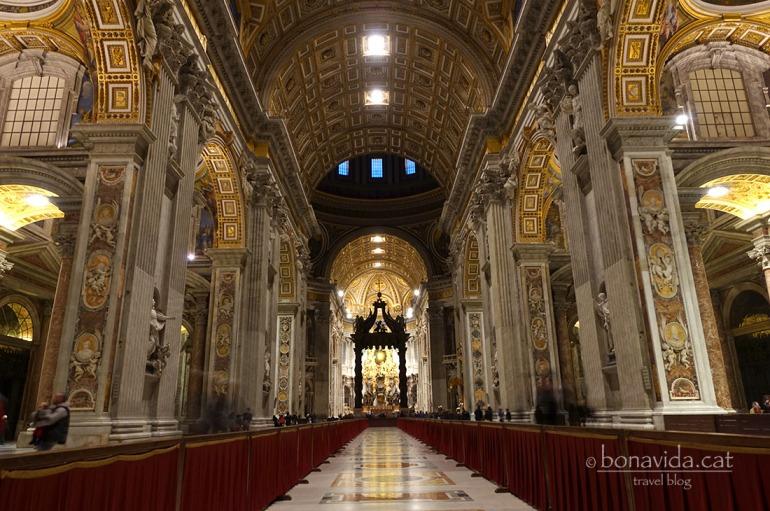 Interior de la Basílica de San Pere