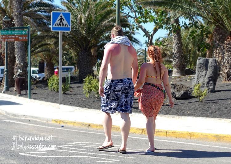 Encara hi ha pocs turistes, però el sol ja pica...
