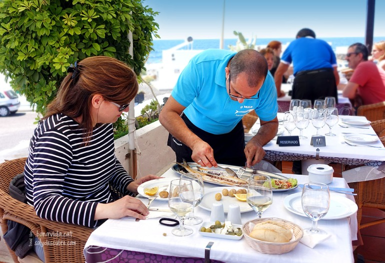 Servint-nos un peix ben fresc