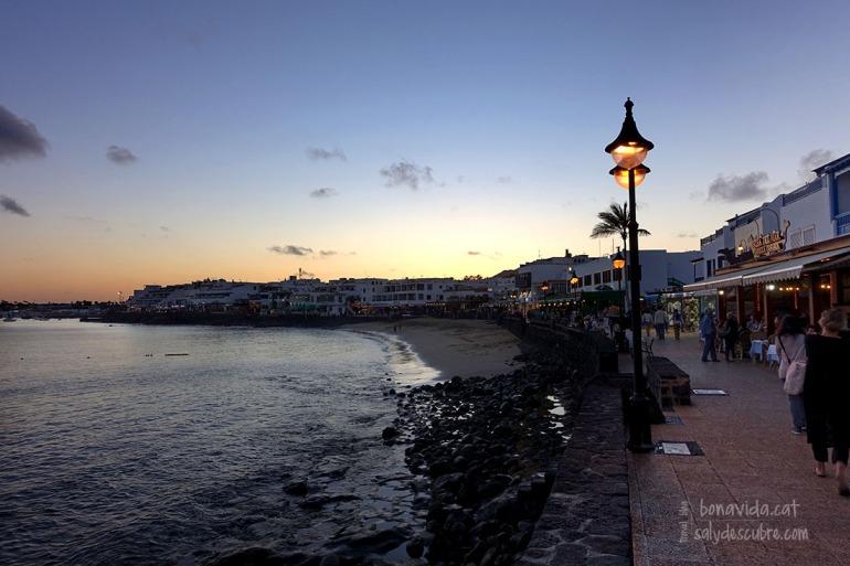 Poblacions més turístiques com Playa Blanca...