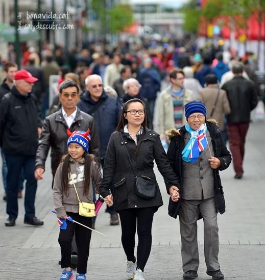 No semblen gaire islandeses, però ho celebren moltíssim