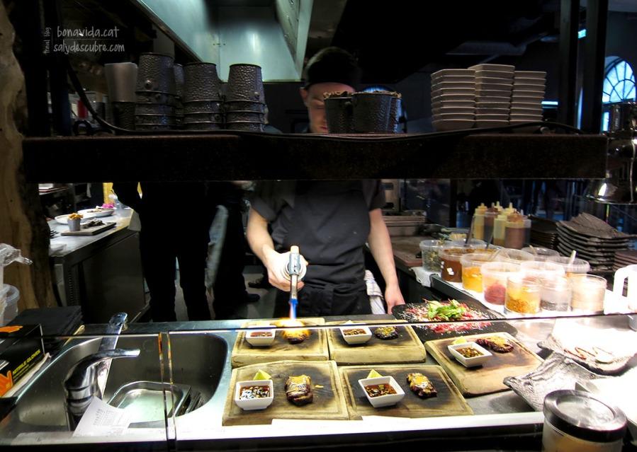 Ens encanta veure el funcionament de les cuines als restaurants