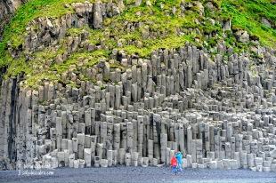 Les grans roques de basalt semblen un enorme orgue