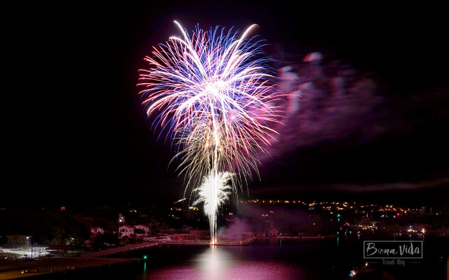 Final de festa amb focs d'artifici