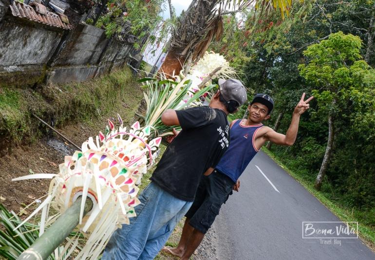 Preparatius per la celebració del Galungan (festa balinesa)
