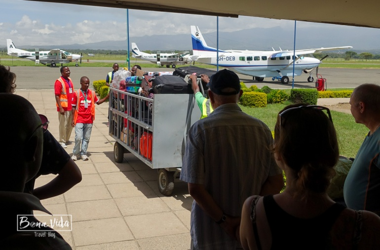 tanzania aeroport maletes