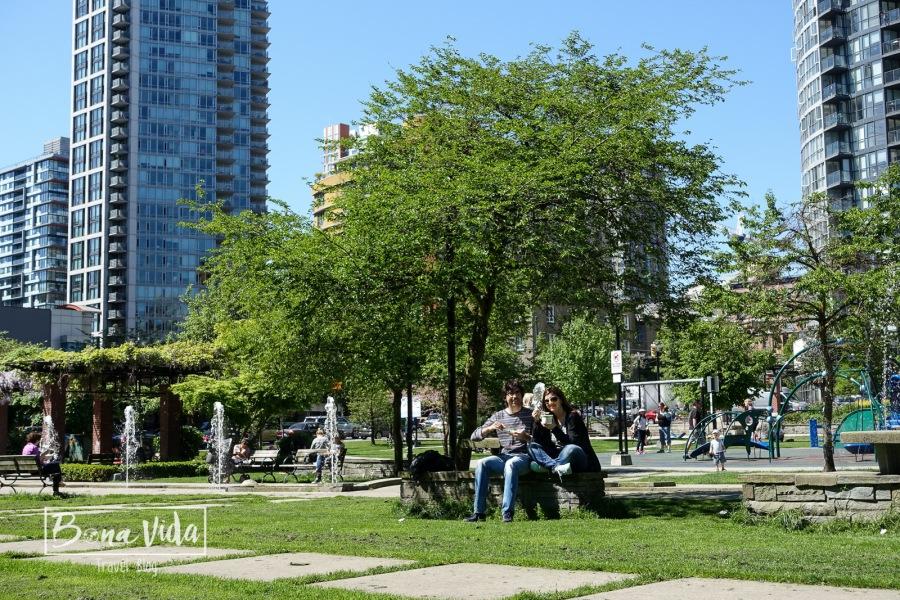 El bon temps ha arribat, i aprofitem per dinar als Parcs