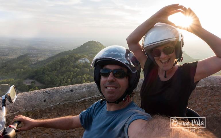 mallorca-nosaltres-moto-selfie