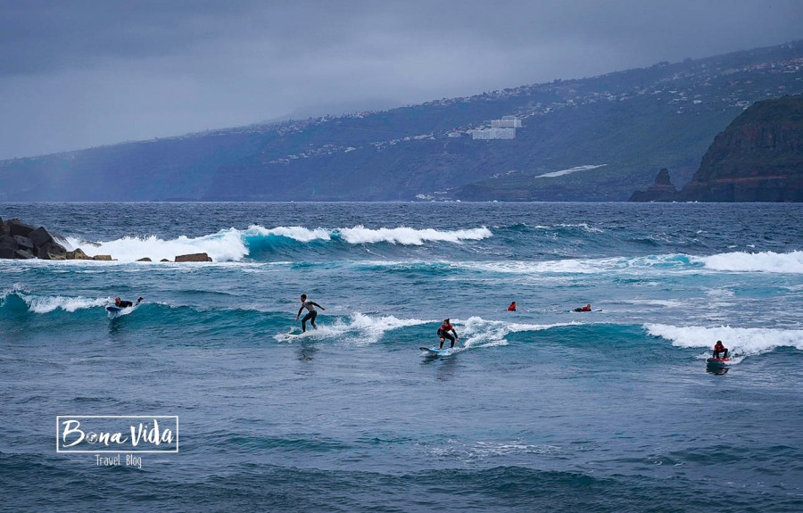 tenerife platja surfers