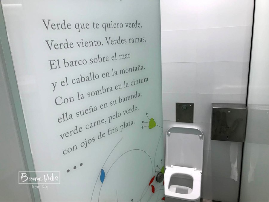 wc aeroport granada